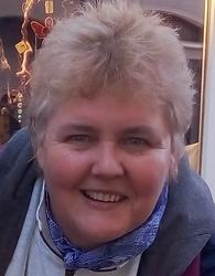 Leoni van Deventer , estate agent