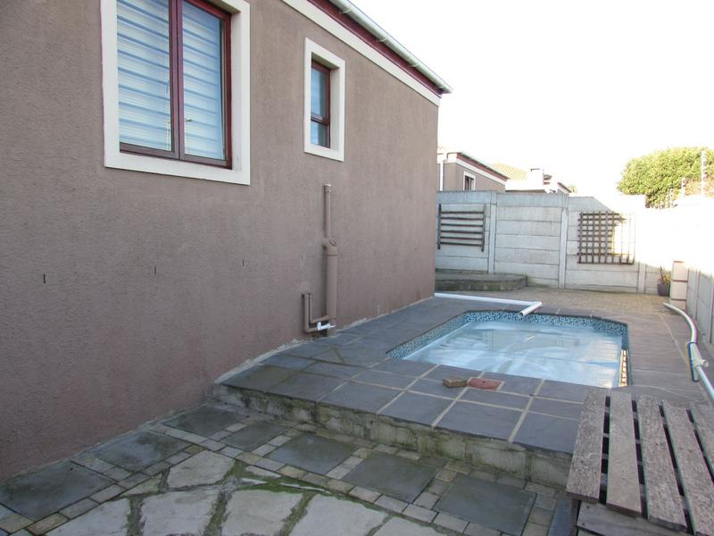 Property For Sale in Protea Heights, Brackenfell 11
