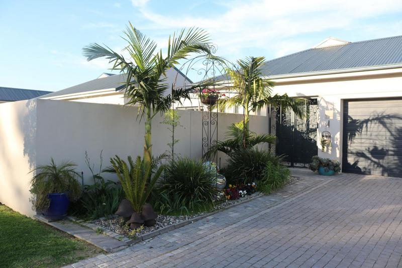 Property For Sale in Sonstraal Heights, Durbanville 31