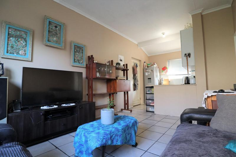 Property For Sale in Oakglen, Bellville 12