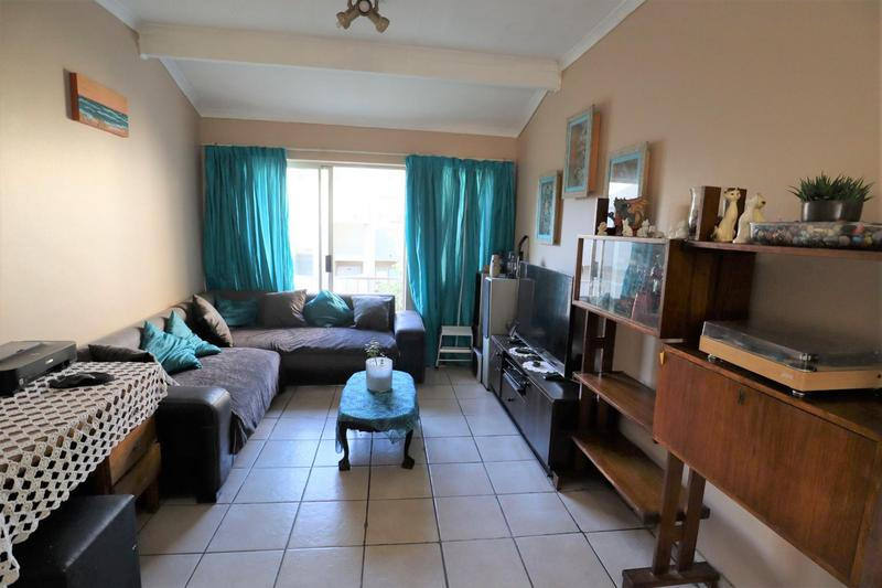 Property For Sale in Oakglen, Bellville 11