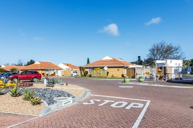 Property For Sale in Sonstraal East, Cape Town 2