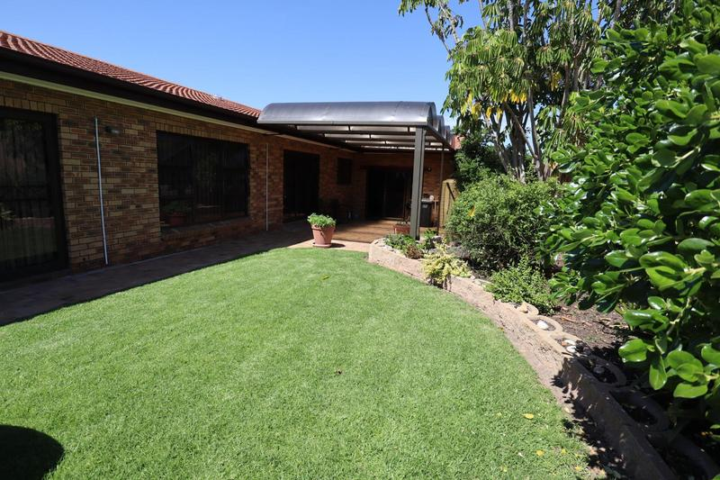 Property For Sale in Eversdal, Durbanville 33