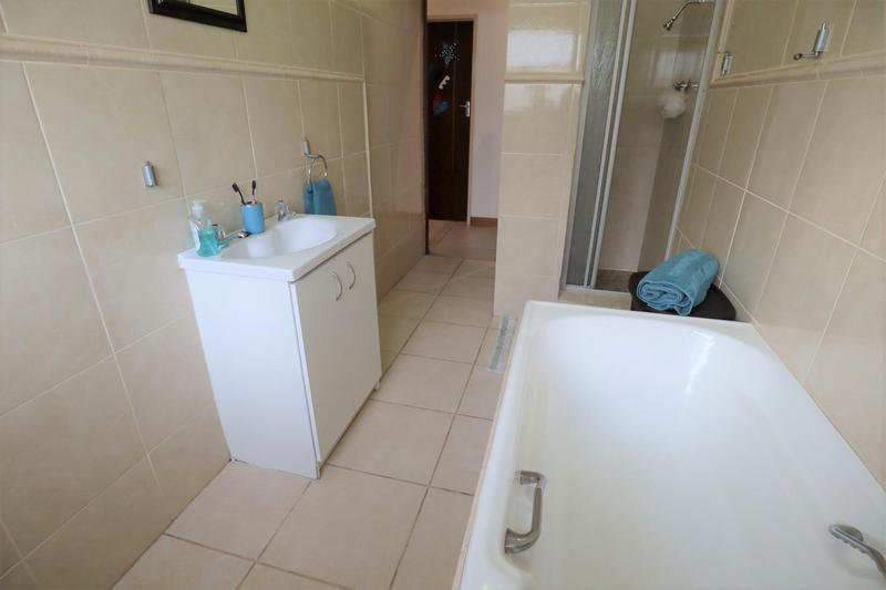 Property For Sale in Stellenberg, Cape Town 24