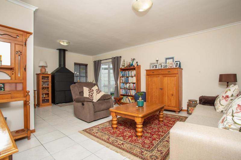 Property For Sale in Jakarandas, Kuilsriver 3