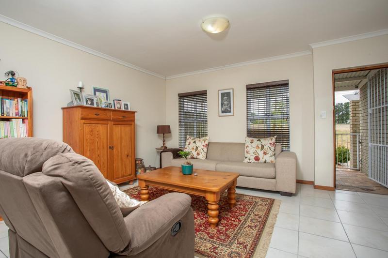 Property For Sale in Jakarandas, Kuilsriver 4