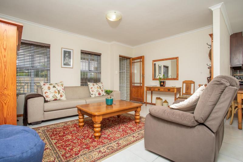 Property For Sale in Jakarandas, Kuilsriver 5