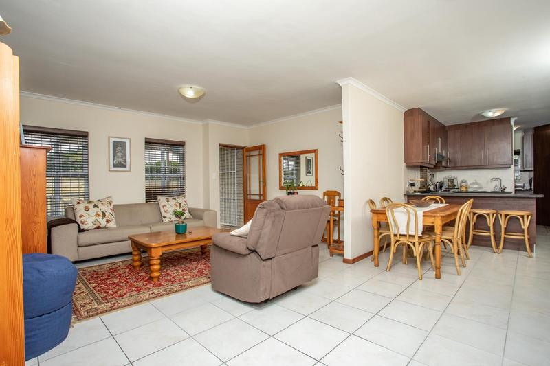 Property For Sale in Jakarandas, Kuilsriver 10