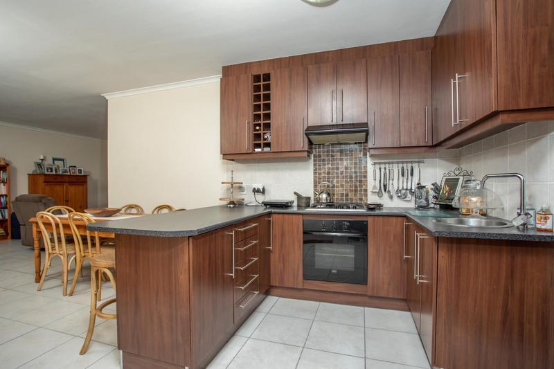 Property For Sale in Jakarandas, Kuilsriver 12