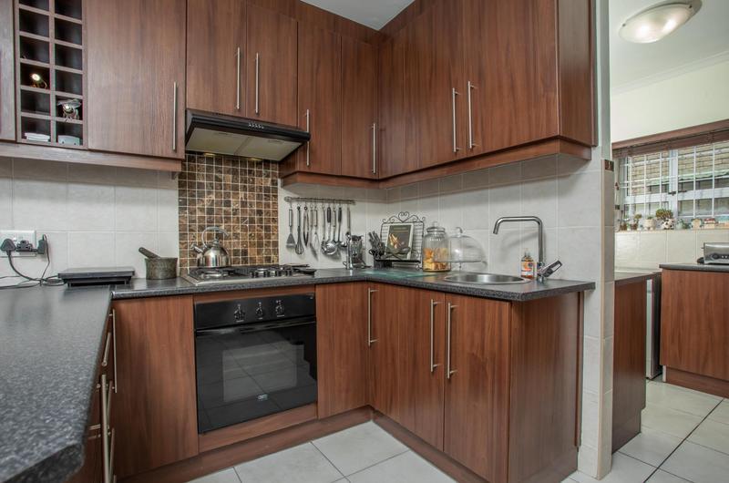 Property For Sale in Jakarandas, Kuilsriver 13
