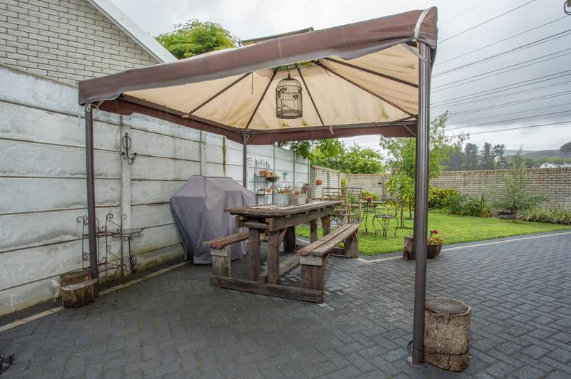 Property For Sale in Jakarandas, Kuilsriver 7
