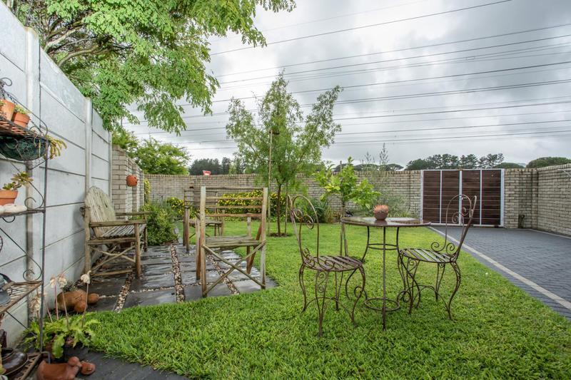 Property For Sale in Jakarandas, Kuilsriver 8