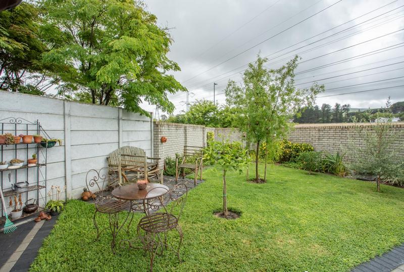 Property For Sale in Jakarandas, Kuilsriver 16