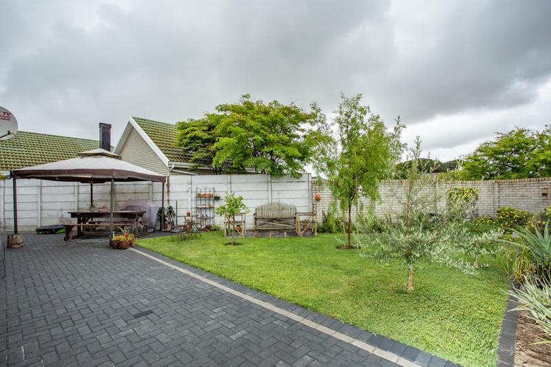 Property For Sale in Jakarandas, Kuilsriver 9