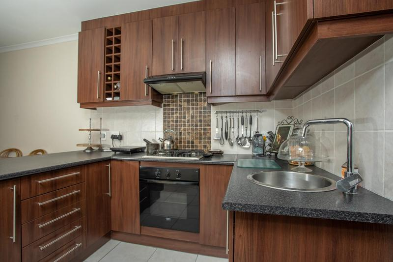 Property For Sale in Jakarandas, Kuilsriver 14