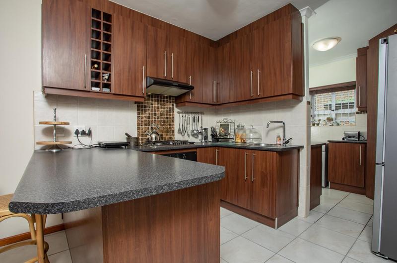 Property For Sale in Jakarandas, Kuilsriver 18