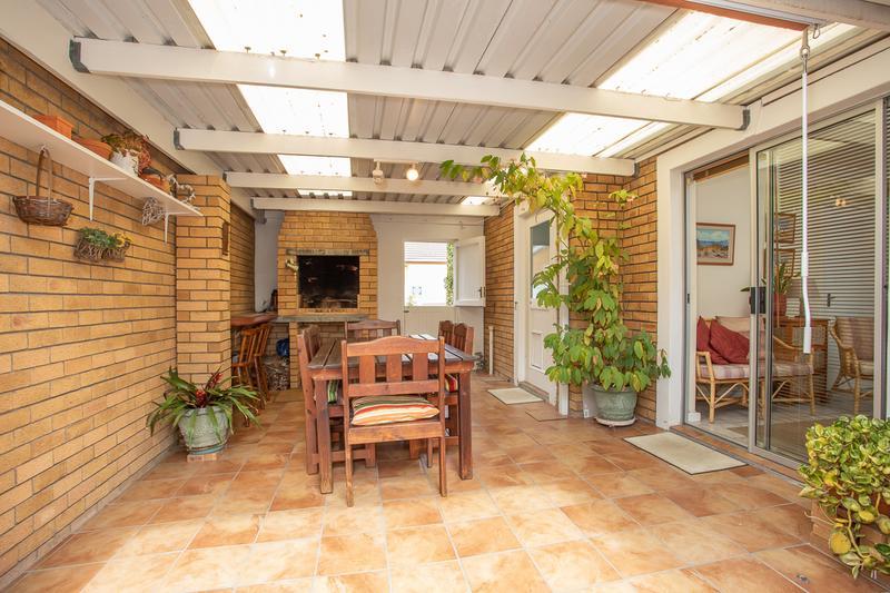 Property For Sale in Amanda Glen, Durbanville 17