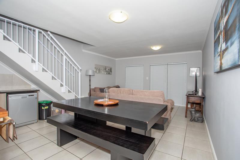 Duplex For Sale in Ruwari, Brackenfell