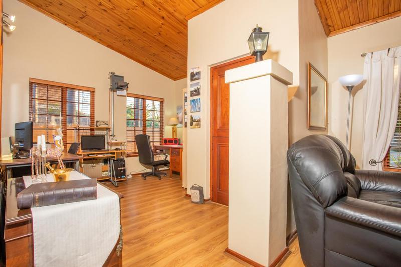 House For Sale in Welgelegen, Parow